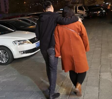 200斤的妹子网恋奔现到不相信爱情